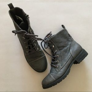 American Eagle Lace Up Leather Ankle Boot